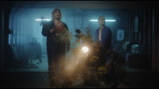 Leanne Tennant 'Bring It All Back' music video