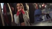 Chenoa 'Life's An Equation' music video