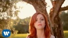 Annalisa 'Tra due minuti è primavera' music video