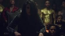 Kiiara 'Gold' music video