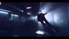 Evi Vine 'Porcelain' music video