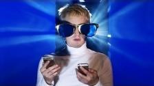 Bilderbuch 'Bungalow' music video
