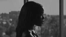 Oyinda 'Serpentine' music video