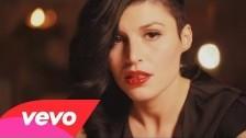 Giusy Ferreri 'Ti porto a cena con me' music video