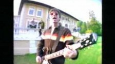 Oasis 'Don't Look Back In Anger' music video