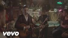 Douwe Bob 'Slow Down' music video