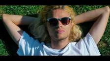 Julius Dolls 'Beach Goth' music video