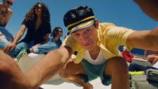 Omar Apollo 'Kickback' music video