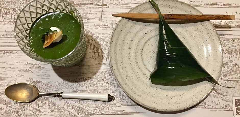 Japanese dessert: Matcha pudding and seaweed-wrapped mochi