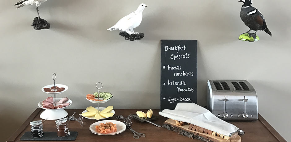 Breakfast at Deplar includes such fare as huevos rancheros and healthful options like overnight oats and chia pudding.