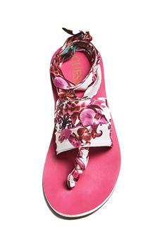 Sandalo flip flop stampa fantasia GUESS | 12 | E92Z09UN