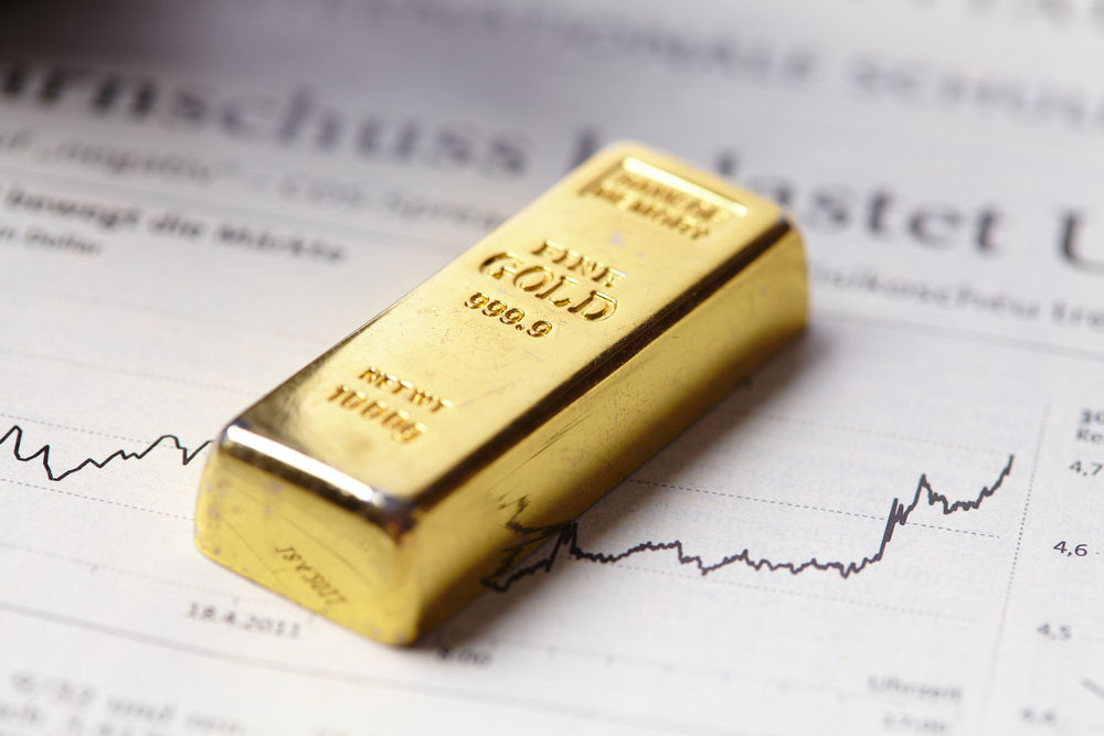 How to trade gold rally with ETFs & stocks