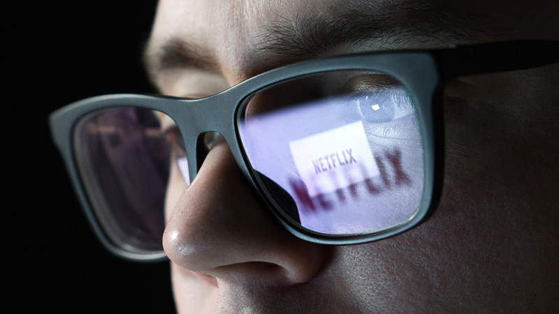 How Does Netflix (NFLX) Stock Score Ahead of Earnings?