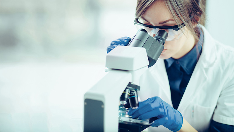 5 best biotech stocks to buy in October