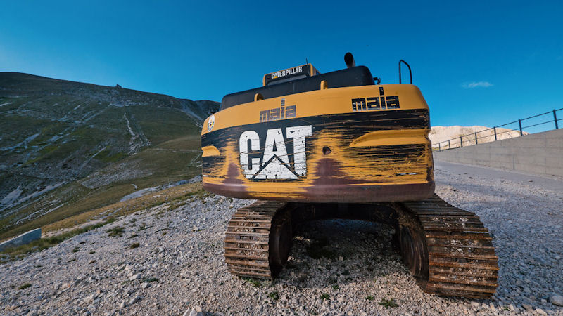 Caterpillar (CAT) Stock Down 5% This Week