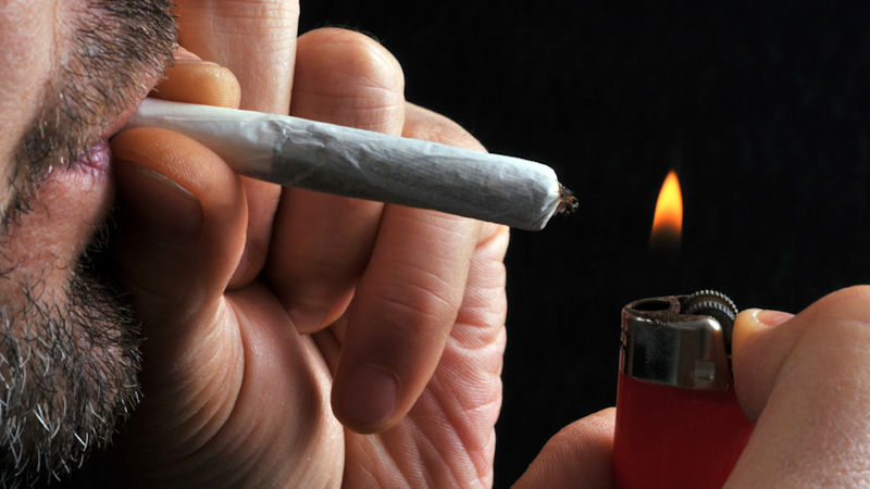 Aurora Cannabis (ACB) Stock Is on Fire, but What Do Analyst Think?