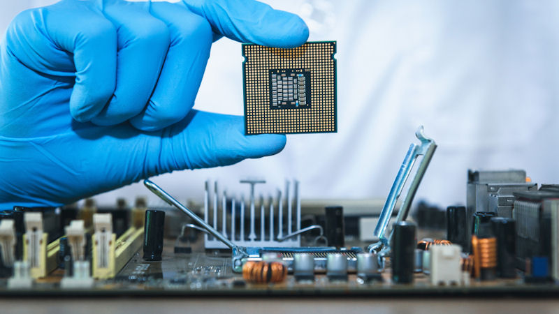 Intel (INTC) Stock Falls -15.5% This Month: How Does it Score?