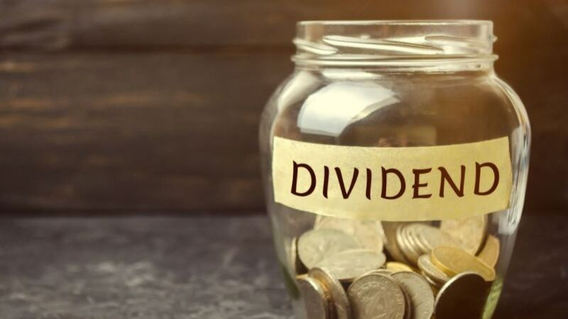 Stocks That Will Increase Their Dividends as Interest Rates Fall: DOV, MO, SJM and VZ