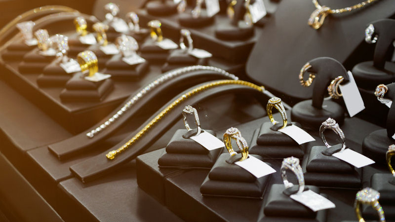 Analysts Expect Signet Jewelers (SIG) Stock to Rise 88.5%