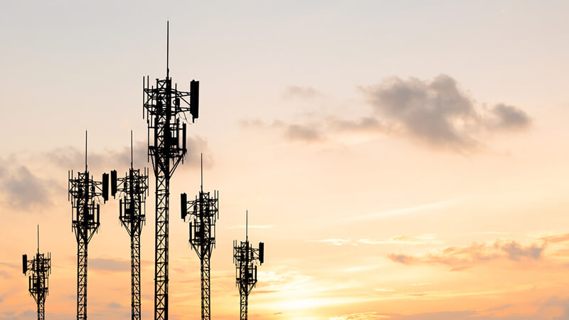 4 Tech Stocks Poised to Gain as 5G Deployment Speeds Up