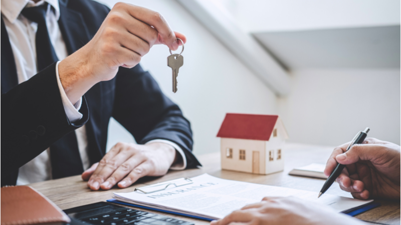 Is Brookfield Property Partners LP Unit (BPY) a Good Buy in the Real Estate Services Industry?