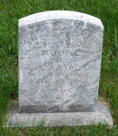 MOORE, EDNA - Benton County, Iowa   EDNA MOORE
