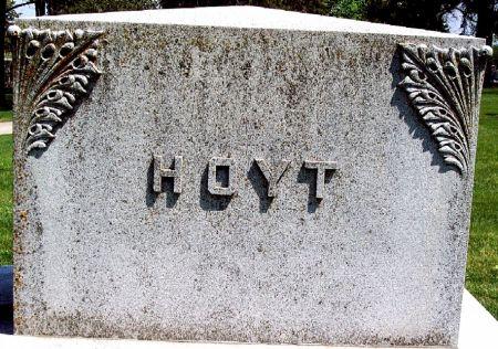HOYT, FAMILY MEMORIAL - Carroll County, Iowa   FAMILY MEMORIAL HOYT