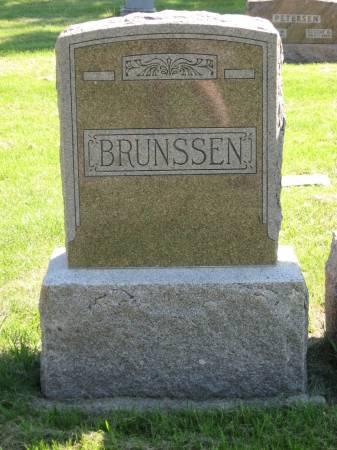 BRUNSSEN, FAMILY MONUMENT - Clay County, Iowa | FAMILY MONUMENT BRUNSSEN