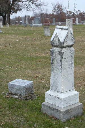 RENNER, EMANUEL'S AND ELIZABETH'S MARKERS - Decatur County, Iowa   EMANUEL'S AND ELIZABETH'S MARKERS RENNER