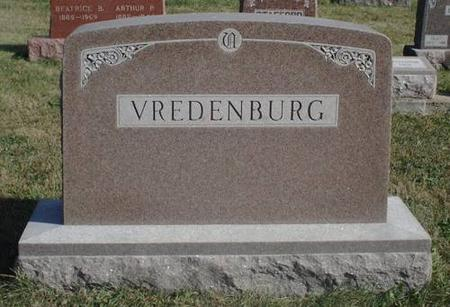 VREDENBURG, FAMILY HEAD STONE - Decatur County, Iowa | FAMILY HEAD STONE VREDENBURG