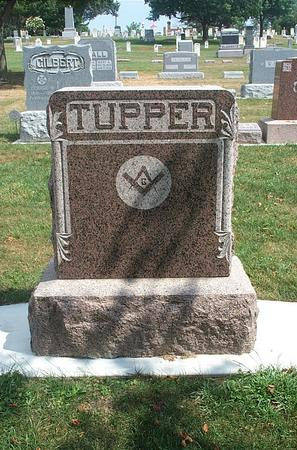 TUPPER, (MONUMENT) - Fayette County, Iowa | (MONUMENT) TUPPER