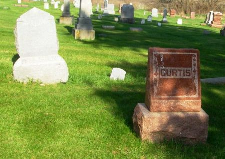CURTIS, WILLIAM H. FAMILY STONE - Guthrie County, Iowa   WILLIAM H. FAMILY STONE CURTIS