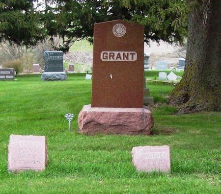 GRANT, WARHAM W. FAMILY STONE - Guthrie County, Iowa   WARHAM W. FAMILY STONE GRANT