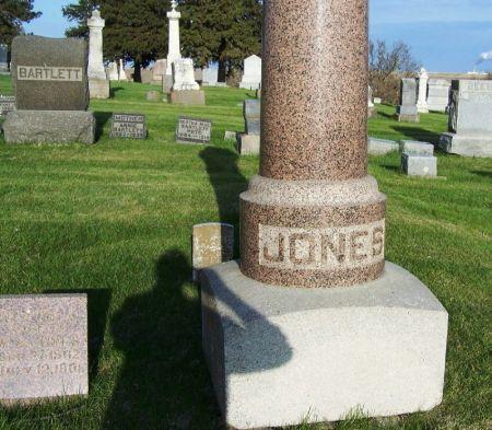 JONES, WALKER WOODBURN FAMILY STONE - Guthrie County, Iowa | WALKER WOODBURN FAMILY STONE JONES