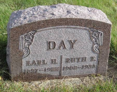 DAY, EARL H. - Hamilton County, Iowa | EARL H. DAY