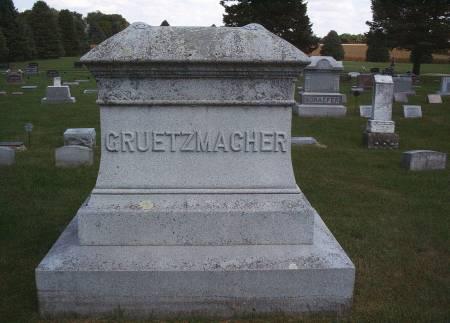 GRUETZMACHER, FAMILY MONUMENT - Hancock County, Iowa   FAMILY MONUMENT GRUETZMACHER