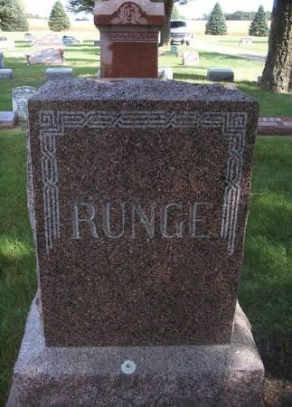RUNGE, FAMILY MONUMENT - Hancock County, Iowa   FAMILY MONUMENT RUNGE