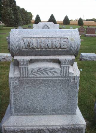 YAHNKE, FAMILY MONUMENT - Hancock County, Iowa | FAMILY MONUMENT YAHNKE