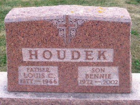 HOUDEK, BENNIE - Howard County, Iowa | BENNIE HOUDEK