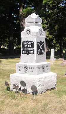 MEMORIAL, WAR - Iowa County, Iowa   WAR MEMORIAL