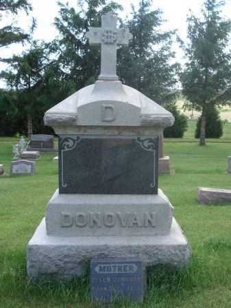 DONOVAN, FAMILY MONUMENT - Jackson County, Iowa | FAMILY MONUMENT DONOVAN
