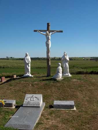 ST. PETER & PAUL CATHOLIC, CEMETERY - Jackson County, Iowa   CEMETERY ST. PETER & PAUL CATHOLIC