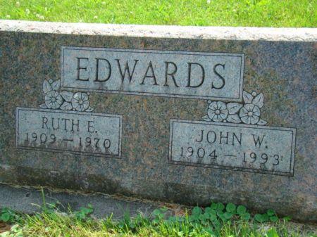 VOYLES EDWARDS, RUTH ELIZABETH - Jefferson County, Iowa   RUTH ELIZABETH VOYLES EDWARDS