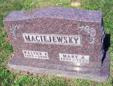 MACIEJEWSKY, WALTER E. - Linn County, Iowa   WALTER E. MACIEJEWSKY