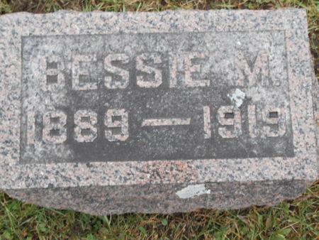 READ, BESSIE M. - Linn County, Iowa | BESSIE M. READ