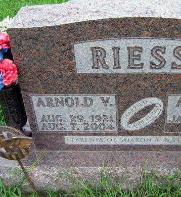 RIESS, ARNOLD V. - Linn County, Iowa   ARNOLD V. RIESS