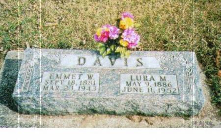 DAVIS, EMMET W. & LURA M. - Marshall County, Iowa | EMMET W. & LURA M. DAVIS