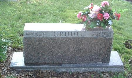 GRUDLE, FAMILY HEADSTONE - Mills County, Iowa | FAMILY HEADSTONE GRUDLE