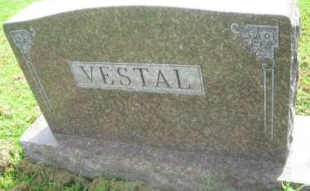 VESTAL, FAMILY MONUMENT - Mills County, Iowa   FAMILY MONUMENT VESTAL