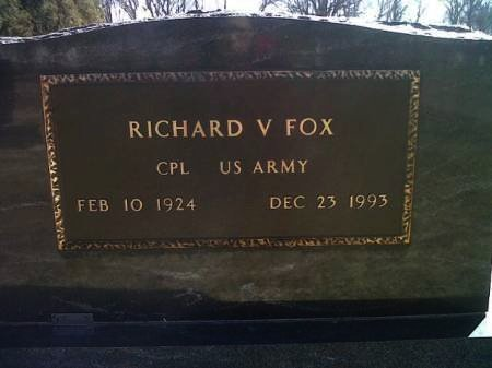 FOX, RICHARD V. (MILITARY) - Mitchell County, Iowa   RICHARD V. (MILITARY) FOX
